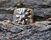 Cigar style band with silver drops - US size 7 1/2