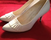 Classy White Heels with Pleated Fan Detail by Nily's Collection - Size 5.5