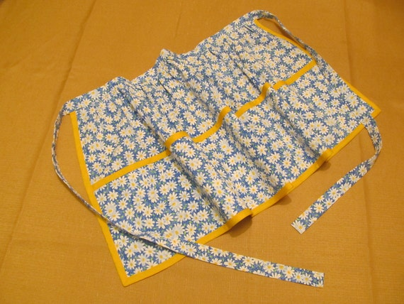 Half Apron with Three Pockets and Cute Flower pattern