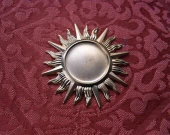 1 Large Vintage Red Brass Sun Burst Stamping