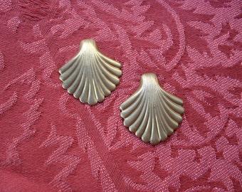 2 Vintage Brass Shell Fan Stamping  ..  t2_32