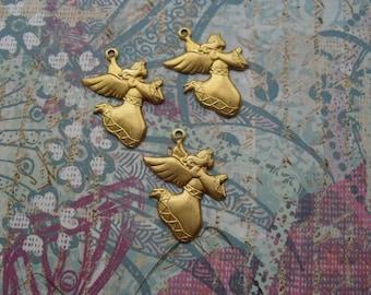 3 Vintage Brass Angel Stamping    ..    C - 1
