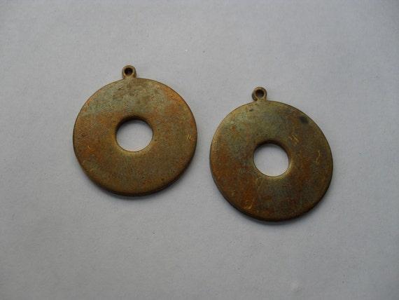 2 Vintage Brass Circle   ..   C - 1