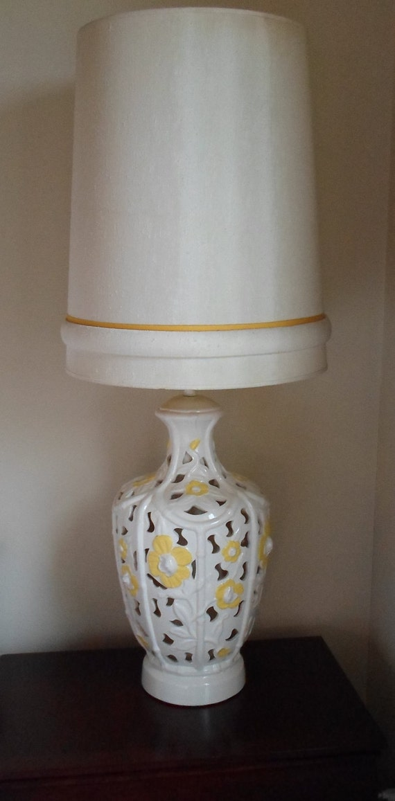 Vintage Pair of Mid Century Modern Ceramic Table Lamps and shades Ivory with Yellow Flowers, Hollywood Regency, Shabby Chic, Cottage Chic