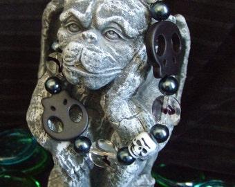 Black Flat Howlite Skull Beaded Bracelet