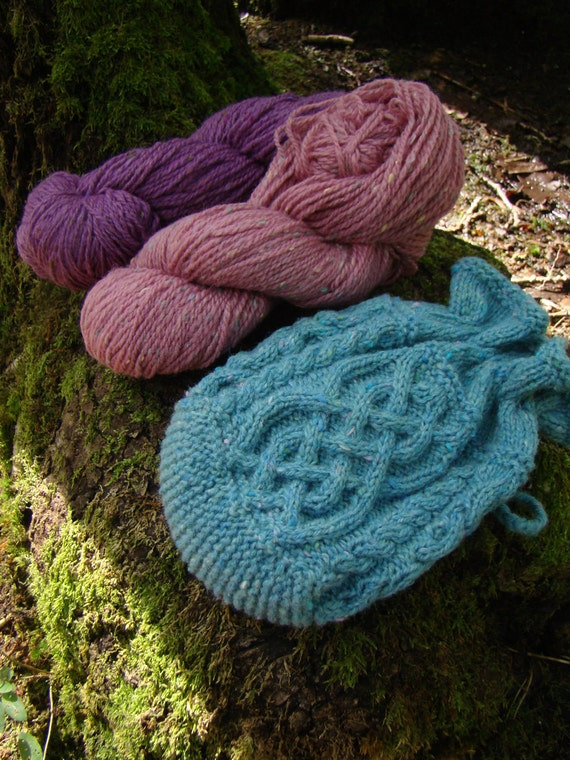THARA -  Celtic Baglet - Pure wool - aqua blue - other colors made to order