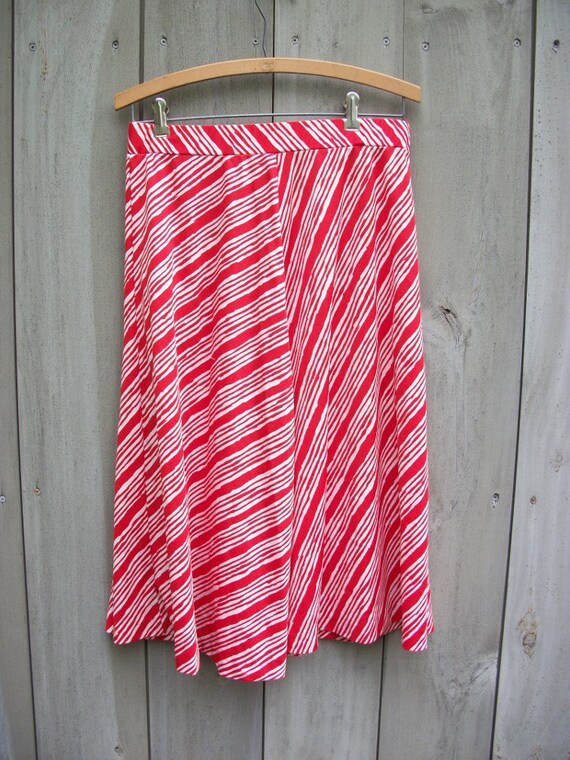 Vintage skirt - op art red and white striped knit skirt
