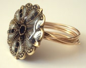 Flower ring. Exquisite miniature old-fashioned style  (size 11.5)