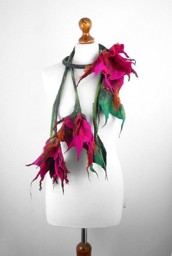 Flower Collar Felted Scarf Flower Necklace Felt Collar Wrap Scarve Felt Nunofelt Nuno felt Silk Silkyfelted Eco shawl Boho Fiber Art