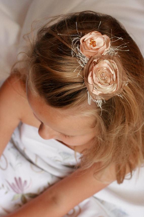 Wedding hair clip, bridal hair clip, blush hair clip, blush flower hair clip, champagne flower hair clip, flower girl hair clip, blush clip