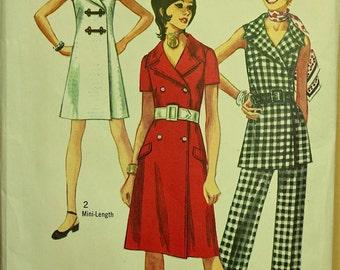 """Mini Dress & Pantsuit with Large Collar -1970's - Simplicity Pattern 9220 Uncut  Size 14  Bust 36"""""""