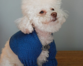 Blue Bell........Fine Wool Shrug, with Clasp, Blue, Wrap, Sweater