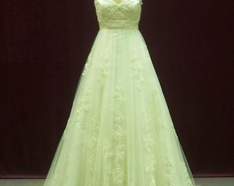 Romantic Lace Wedding Dress V-neck with Spaghetti Straps