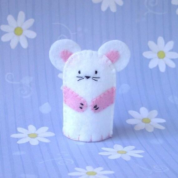 White Mouse Finger Puppet - Felt Mouse Puppet - Finger puppet Mouse - Felt Animal Finger Puppet - Rodent puppet
