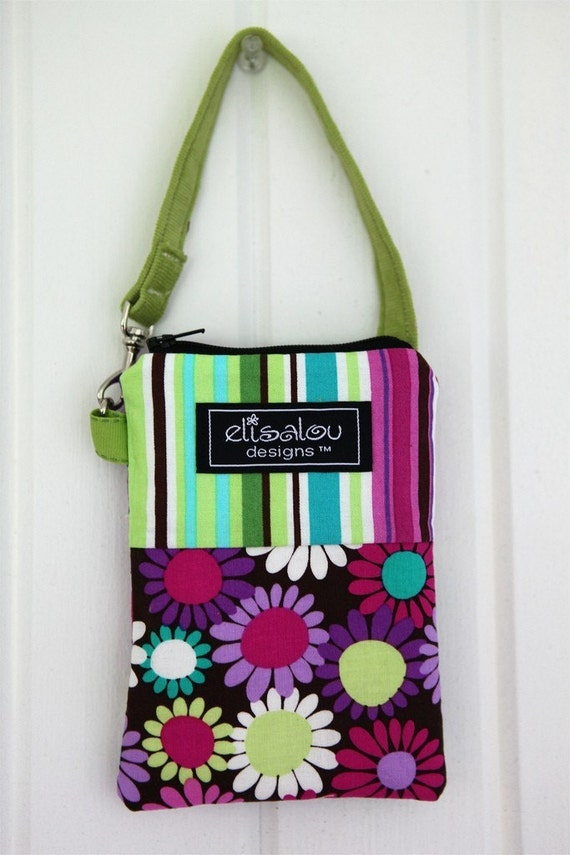 Padded Gadget Pouch Bag- iPhone, iPod Touch, Blackberry, Camera, MP3, Cellphone- Grape Daisy