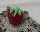 Lampwork Juicy Strawberry Ring Topper, Artisan Handmade SRA LETEAM Glassymom