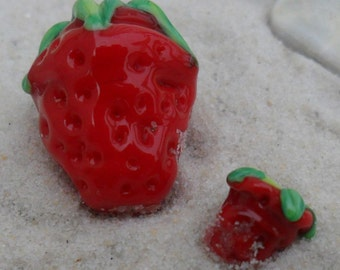 Lampwork Beads Strawberry Pair Red, Artisan Handmade SRA LETEAM Glassymom