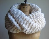 Super Snuggly Chunky knit cowl Cream. Hand knit Infinity scarf. Ivory circle scarf. READY to SHIP Big handmade scarf. Gifts for her on Etsy.