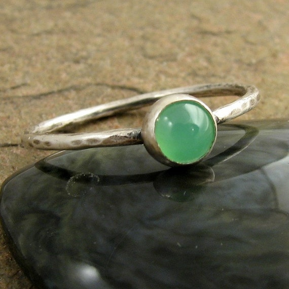 Mint Green Chrysoprase Ring Hammered Silver Stacking Ring, Sterling Silver Ring, Gemstone Ring Green Stone