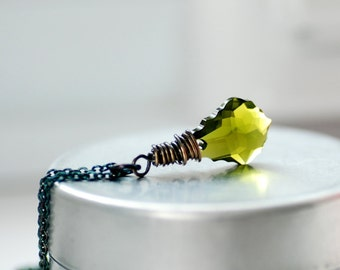 Green Crystal Necklace, Peridot Green Crystal, Swarovski Elements, Baroque Style, Sterling Silver, Pendant Necklace, August Birthstone color