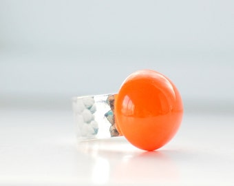 Hammered Silver Ring, Orange Ring, Big Chunky Ring, Modern Ring, Neon Ring, Vintage Glass Ring, Sterling Silver Plated, Adjustable Ring