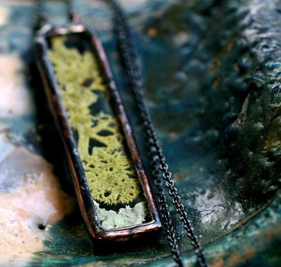 terrarium necklace real moss lichen modern diorama rectangular long necklace woodland jewelry green copper patina natural MOSS-LICHEN STRIP