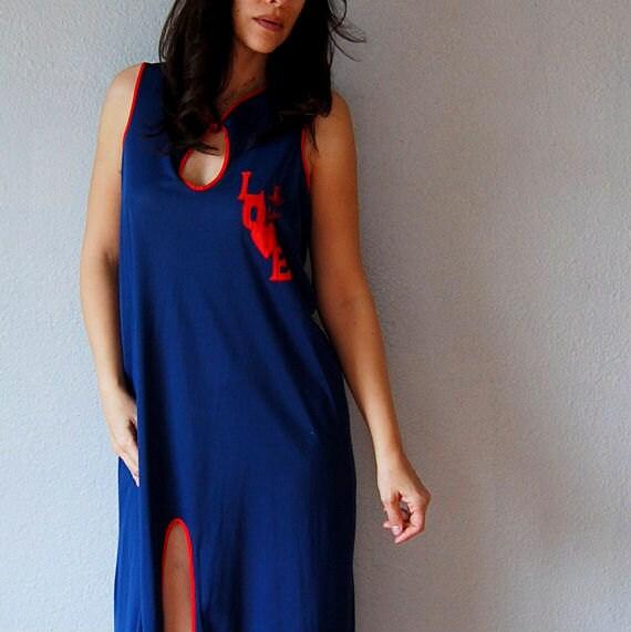 vintage KEYHOLE night dress  /   novelty LOVE applique 1970s lingerie dress