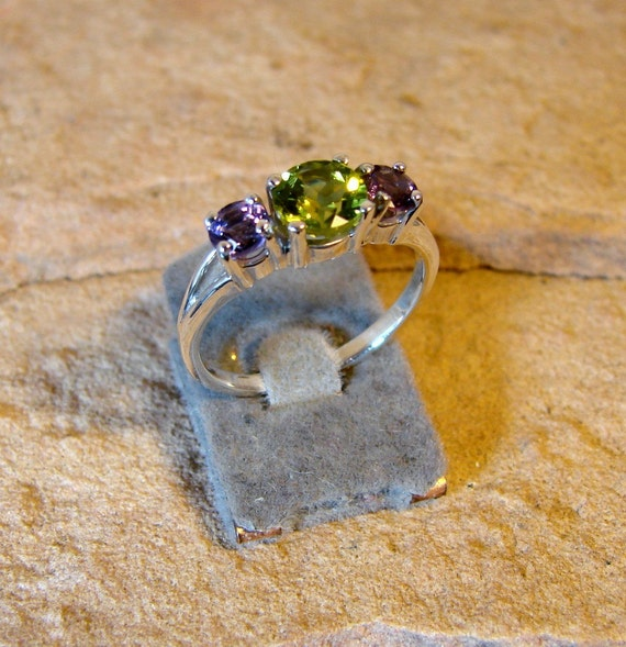 Classic Setting Sterling Silver Ring with Genuine Peridot and Amethyst - (43)