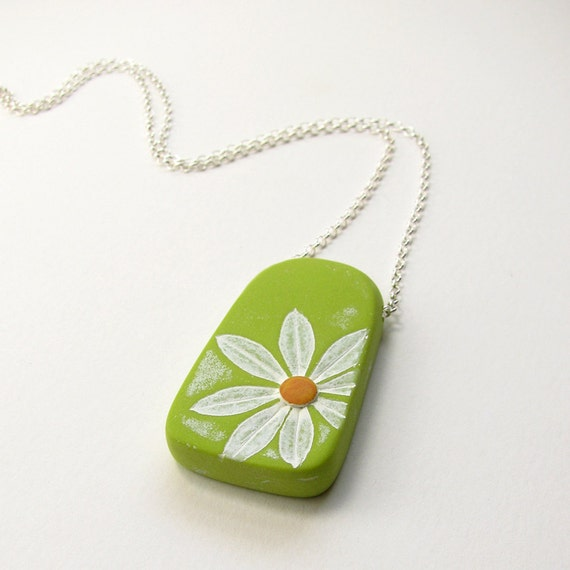 Daisy Necklace White Flower Pendant Chartreuse Rustic Nature Spring Marguerite Sterling Gardener