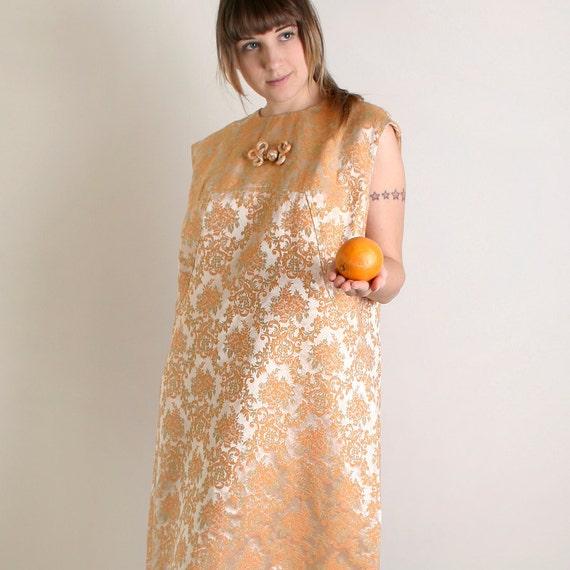 Vintage Cocktail Dress - Plus Size Floral Brocade Twiggy Dress in Light Peach