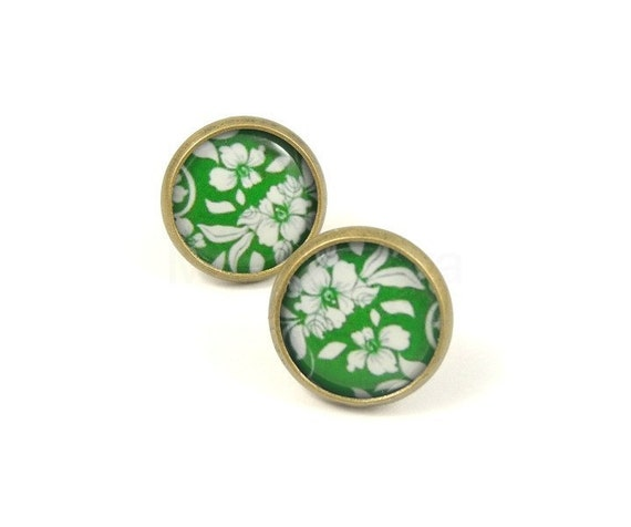 Green Floral Earring Posts,Flower Stud Earrings,Green White Earrings,Floral Green Jewelry,Small Earrings (E128)