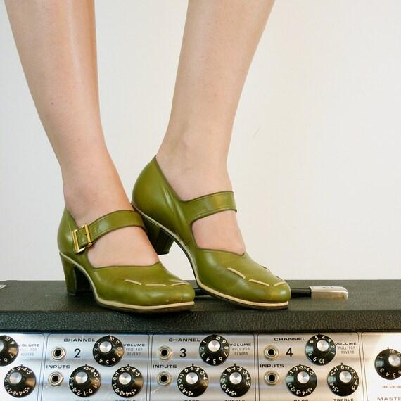 1940s Shoes • 40s Shoes • Vintage 1940s Heels • 40s Mary Janes • Mary Jane Heels • Ankle Strap Shoes • 40s Leather Shoes • 40s Pumps • Sz 6