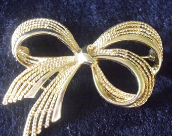 Bow Pin Vintage Signed Brooch