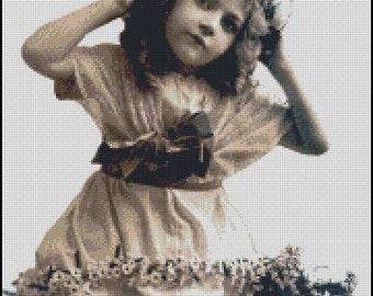 VINTAGE GIRL PHOTO  cross stitch pattern  No.146