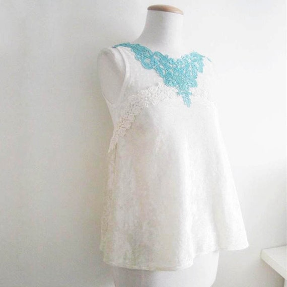 Ivory crushed velvet and lace trimmed blouse - Size UK 8 / US 4-6 / EU 34
