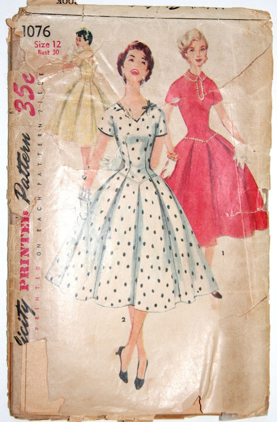 Vintage sewing pattern 1950s formal dress with full skirt Simplicity 1076 - 30 bust
