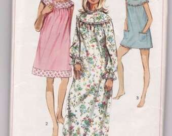 Vintage Sewing Pattern Ladies' Night Gown and Neglige Simplicity 7910 Size Medium
