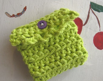 CROCHET NEEDLE BOOK Green