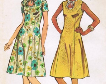 1970s Simplicity 5678 UNCUT Vintage Sewing Pattern Misses' Dress in Half Sizes  Size 14-1/2 Bust 37