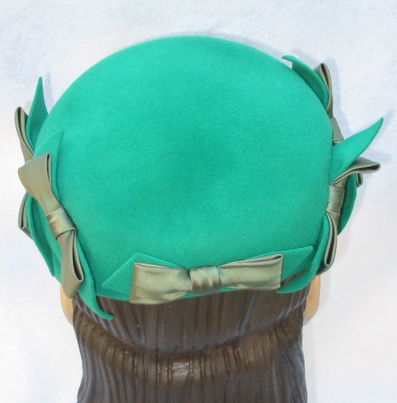 1950's Vintage Green Felt Lucy Style Hat with Bows Amy New York