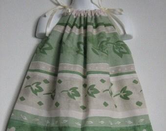 Girls Dress. Fall Dress. Kids Dress. Green Dress. Pillowcase Dress. Eco Friendly Dress. Kids Eco Fashion. Girls Eco Fashion