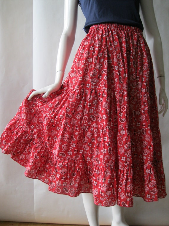 Sweet paisley and floral kerchief print gathered skirt in red, white, and black, small