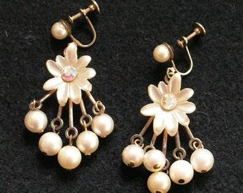 Vintage Earrings - Dangle Earrings - Mother Of Pearl Beads MOP - Daisy Flower - Aurora Borealis Rhinestones - Screw Back