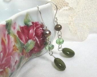 SALE Natural Green Jade and Pearl Dangle Earrings, Classic Fashion Stone Earrings, Fashionable Healing Stone Earrings, One of A Kind ,8169