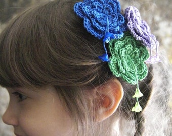 ONE Crocheted Flowery hair pin with two flower beads. Three colors for your choice - violet or green or blue