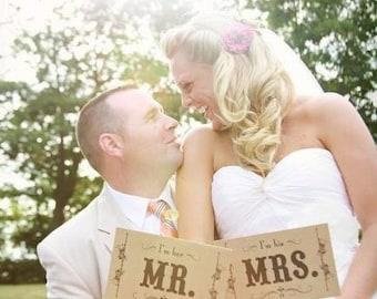 Wedding Photo Prop. Thank You and Mr. and Mrs. Kraft Double Sided Paddle Signs . Fan