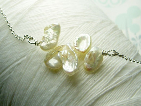 Keishi - white pearl  necklace / keishi pearl necklace / sideways pearl necklace / white pearl necklace / pearl necklace / wedding jewelry