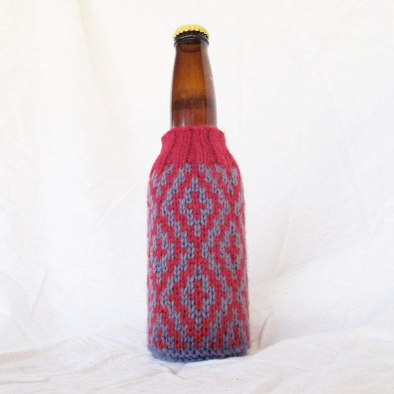 Diamonds Hand Knit Beer Koozie - Cranberry Red & Dark Foggy Grey