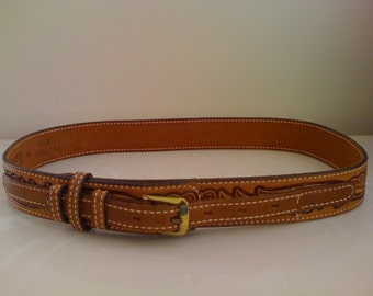 Vintage Women 1970s Tooled Tan Leather Belt