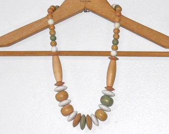 Vintage Necklace Wood Necklace Tribal Boho Neutral Wood Bead Necklace Natural Bold BigVintage Jewelry